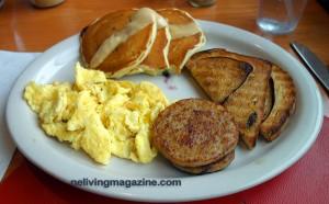 Breakfast at Pollys'