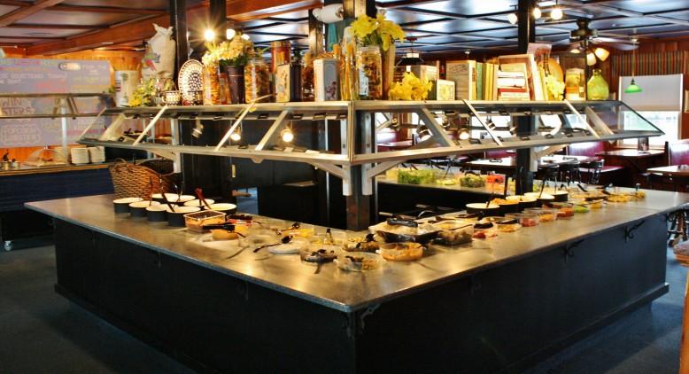 Salad Bar at Warren's Lobster House